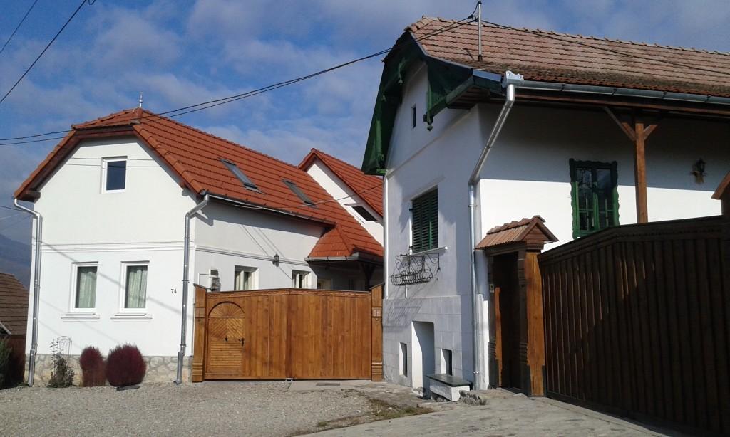Takich wypielęgnowanych chat nie powstydziłaby się żadna polska wioska!