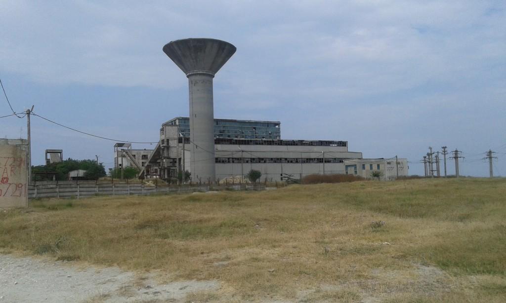 Opuszczona fabryka - wspaniały widok dla fanów architektury industrialnej, a jednocześnie skuteczny odstraszacz turystów