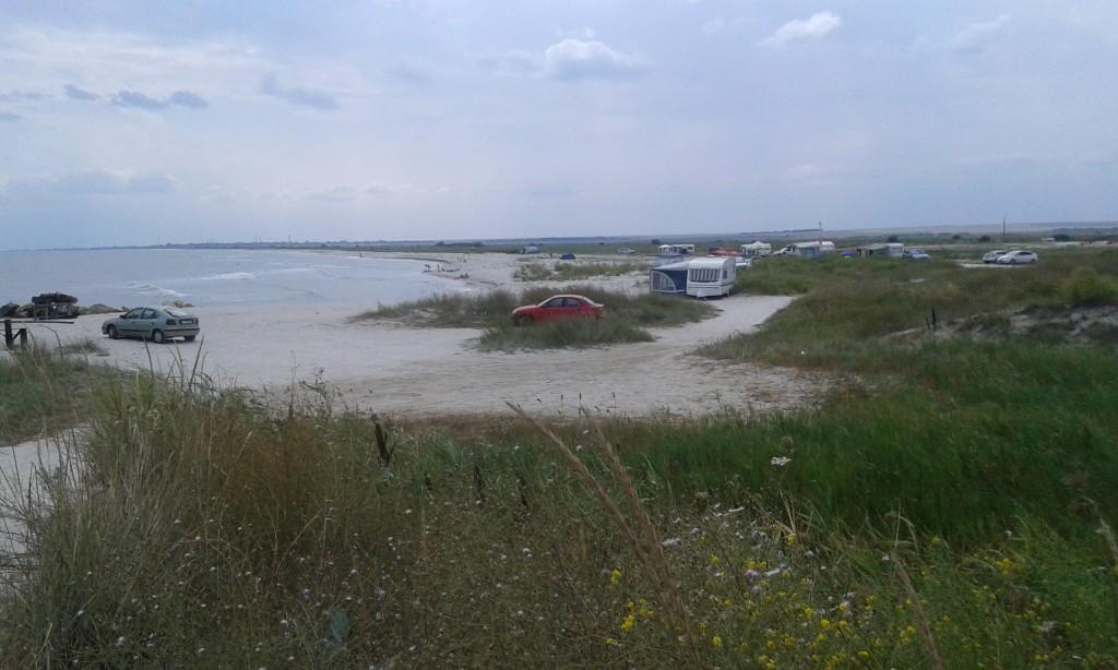 Vadu to z całą pewnością miejsce, gdzie nie trzeba zabierać znanych z bałtyckich plaż parawanów...