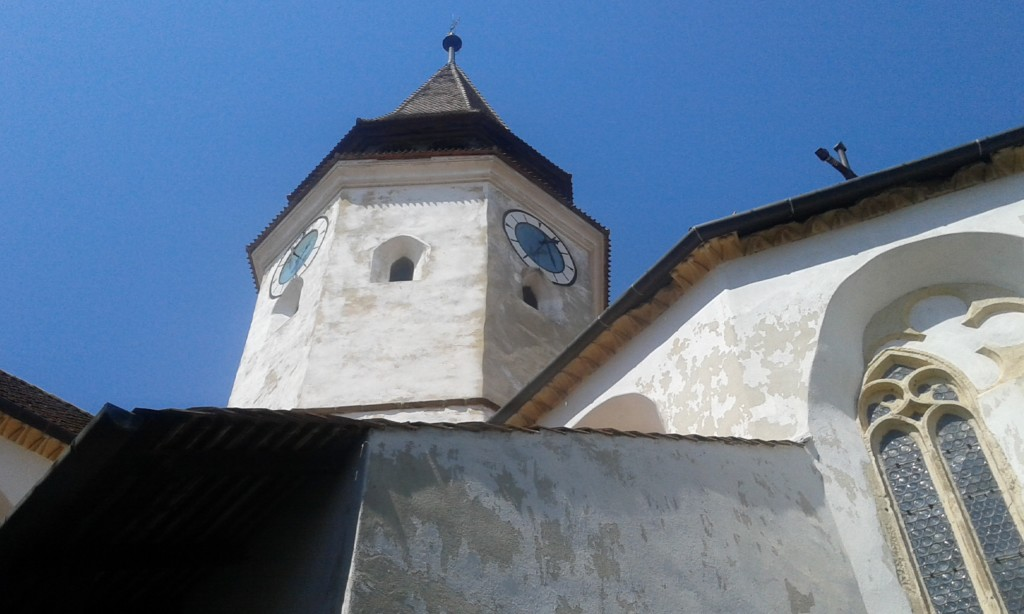 Kosciół w Prejmer nie służył jedynie modlitwom, o czym swiadczą między innymi strzelnice wybite w wieży